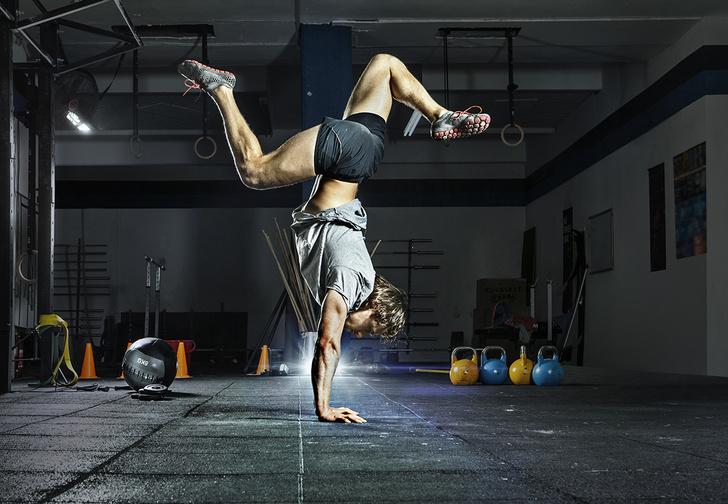 Фото №1 - SHOCK-билдинг: упражнения для «стального» бицепса