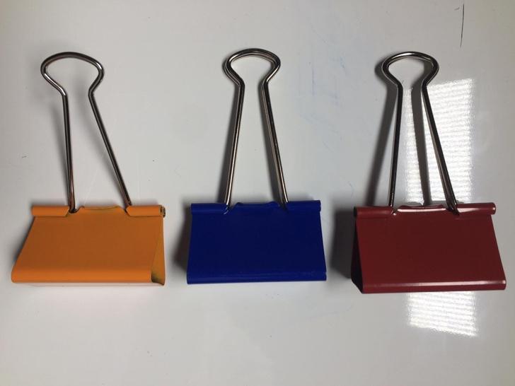 Фото №2 - Лайфхак: подставка для смартфона из офисных зажимов своими руками