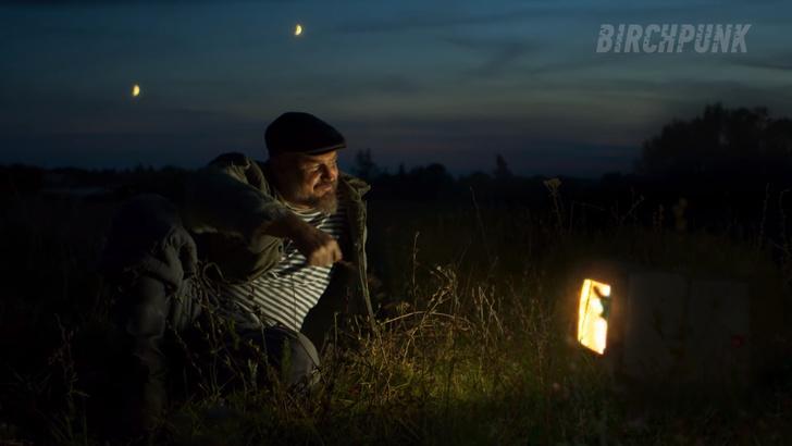Фото №18 - «Русская кибердеревня». Видео, стремительно набирающее восторг и популярность в Интернете
