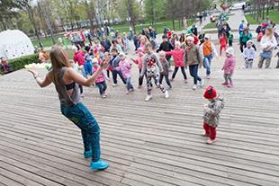 Фото №3 - «Маёвка family»  собрала москвичей в гончаровском парке