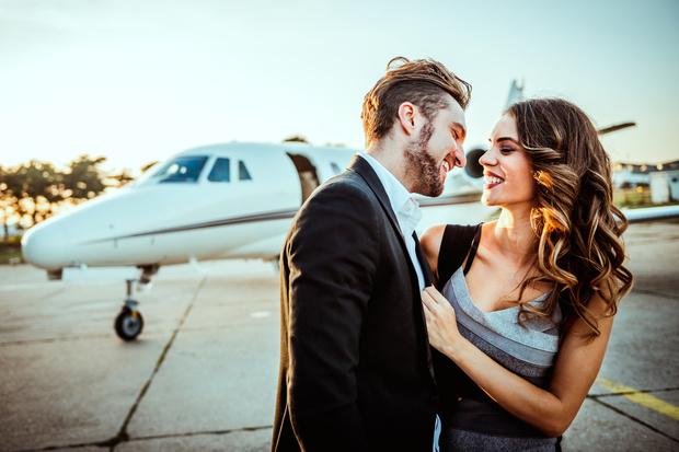 Фото №2 - Знаки зодиака, которые влюбляются в партнера из-за денег