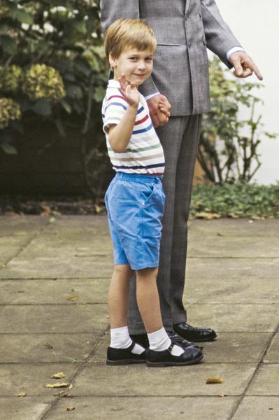 Фото №3 - Копия Уильяма: Миддлтон показала принца Джорджа в день его рождения