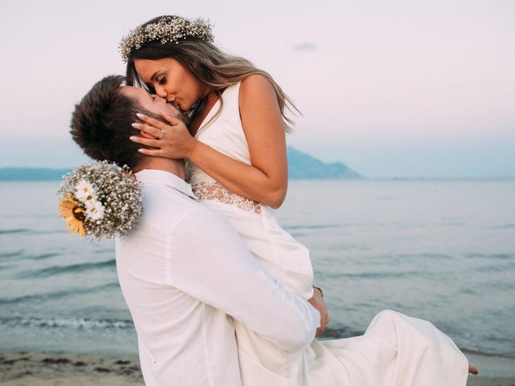 Фото №1 - Астрологи вычисли лучший день для свадьбы в 2020 году