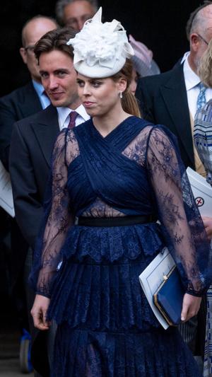 Фото №14 - Самые необычные и странные свадебные шляпки королевской семьи