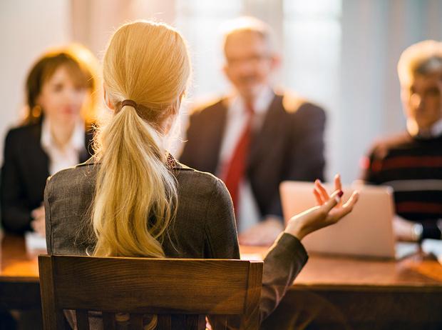 Фото №7 - Как реагировать на неловкие вопросы на собеседовании (и получить желаемую работу)
