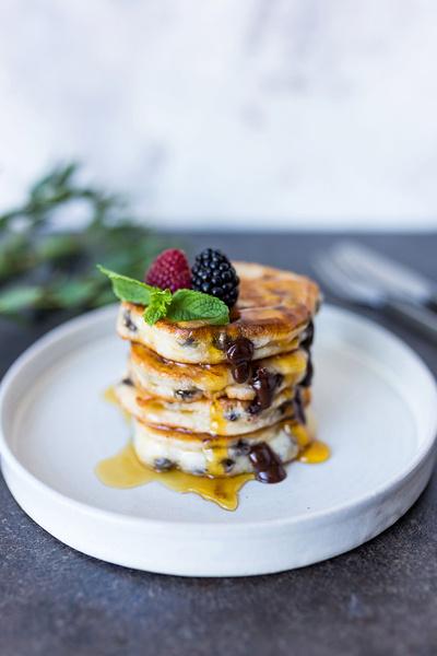 Фото №2 - Кормим завтраками: четыре классных рецепта для отличного утра
