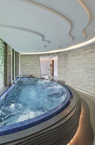 Фото №15 - Уик-энд в Дубае: пять причин остановиться в отеле Mandarin Oriental Jumeira
