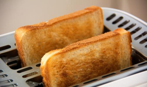 Фото №1 - Диетологи рассказали, какой хлеб можно есть худеющим