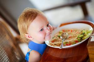 Фото №1 - Прикорм: от простого к сложным блюдам