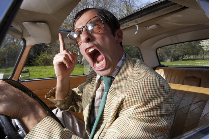 Фото №1 - Чему не учат в автошколе: условные знаки автомобилистов