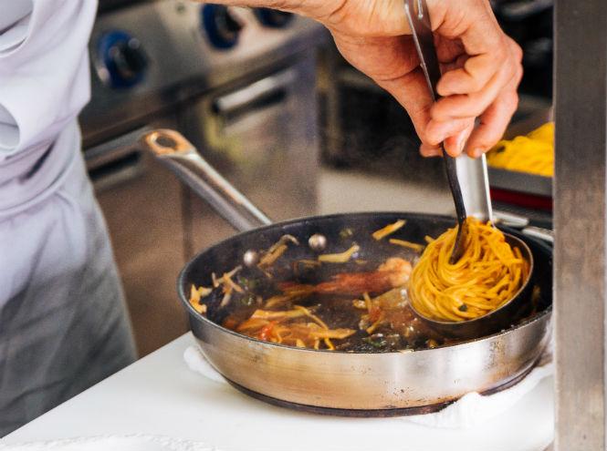 Фото №5 - Рецепт от шефа: секрет сицилийской пасты с креветками