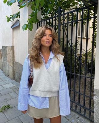 Фото №3 - Трикотажный жилет: 15 стильных вариантов для осеннего гардероба