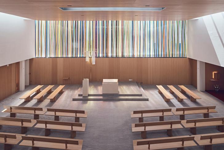 Фото №2 - Минималистская церковь во Франции: проект Enia Architectes