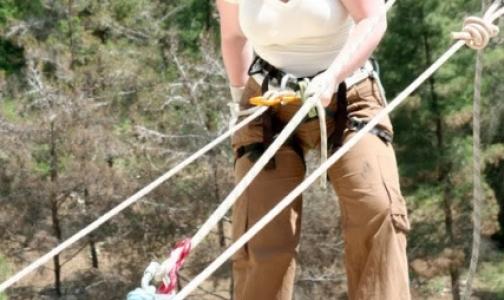 Фото №1 - Пострадавшую в КБР петербургскую альпинистку везут в больницу