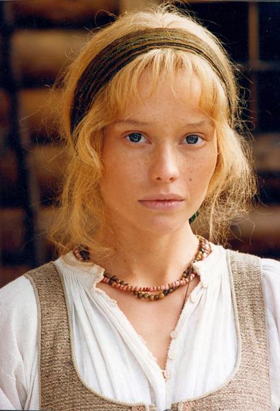 Фото №2 - Популярные актрисы 1990-х: в каких фильмах прогремели, за что полюбились и как расплатились за славу