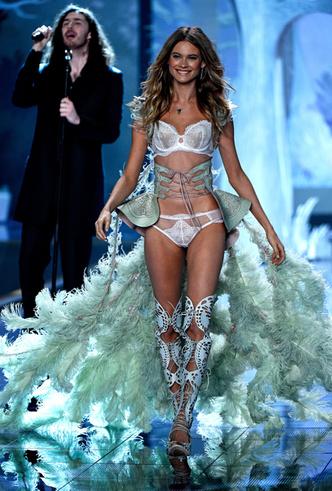 Фото №4 - Бехати Принслу: стать «ангелом» Victoria's Secret – венец карьеры модели