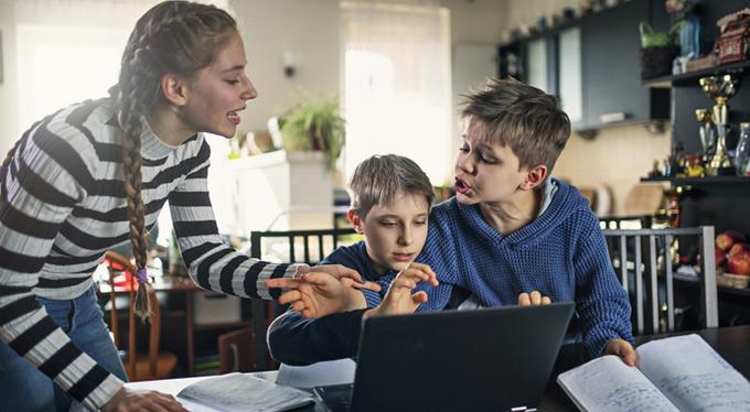 Как пережить онлайн-обучение своего ребенка и не сойти с ума
