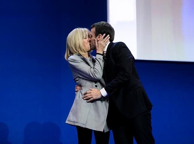 Фото №17 - Как политики и принцы диктуют нам новые правила публичного проявления любви