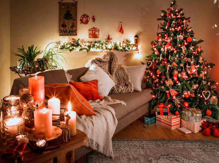 Фото №1 - Елки, палки, мандарины: как украшают новогодние деревья в разных странах мира