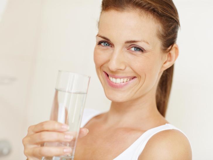 Фото №1 - Фильтрованная, в бутылке или кипяченая: какая вода самая полезная для здоровья