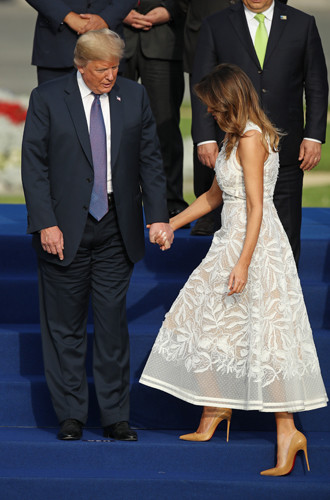 Фото №7 - Мелания Трамп снова троллит мужа