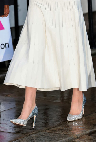 Фото №3 - Во всем блеске: любимые вечерние туфли королевских особ