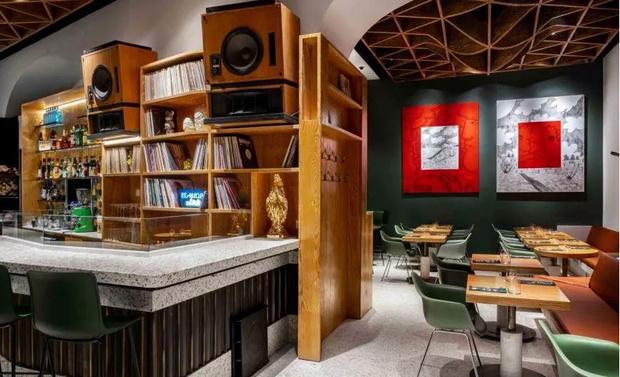 Фото №10 - Flaner: новый ресторан в Москве с мебелью Vitra