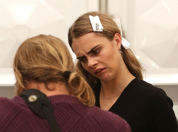 Фото №33 - Фейспалм и губы уточкой: самые смешные фото Кары Делевинь