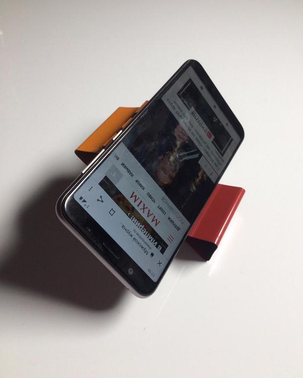 Фото №11 - Лайфхак: подставка для смартфона из офисных зажимов своими руками