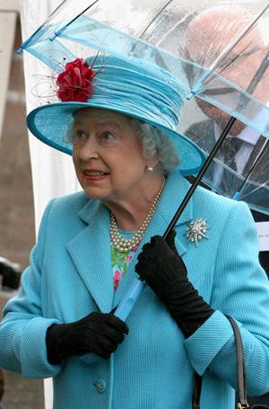Фото №24 - Виндзорские зонтики: королевский способ спрятаться от дождя