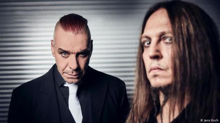 Фото №1 - Лидер Rammstein из-за коронавируса решил дать в Москве не один, а два концерта
