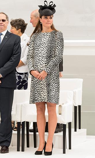 Фото №12 - 5 причин, почему Кейт Миддлтон не ругают за мини-юбки