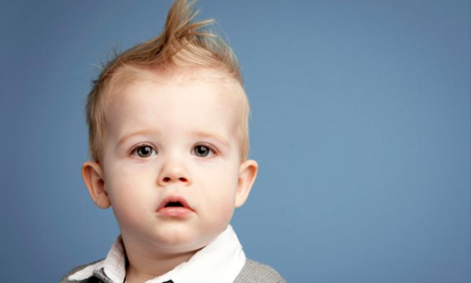 Первые волосы малыша: стричь, брить, отращивать?