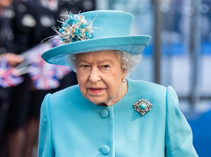 Фото №1 - Королева рассказала о военном рационе во дворце