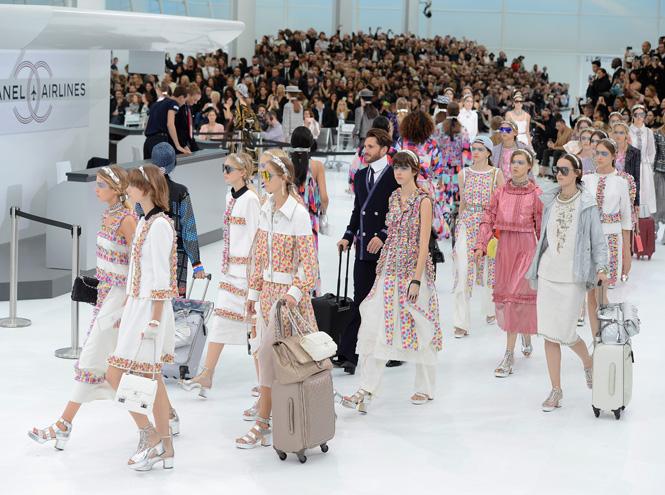 Фото №2 - Неделя моды в Париже: показ Chanel