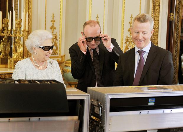 Фото №5 - Как первое рождественское телеобращение Елизаветы II навсегда изменило королевскую семью