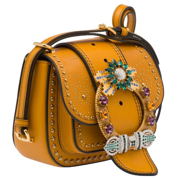 Фото №1 - Трое из ларца: сумки Miu Miu Dahlia теперь в Москве