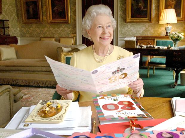 Фото №13 - Что могут короли: как проходит типичный день Елизаветы II в Букингемском дворце