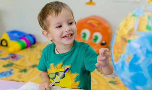 Фото №1 - За детьми петербургских врачей и аптекарей, работающих на будущей неделе, присмотрят в детсадах