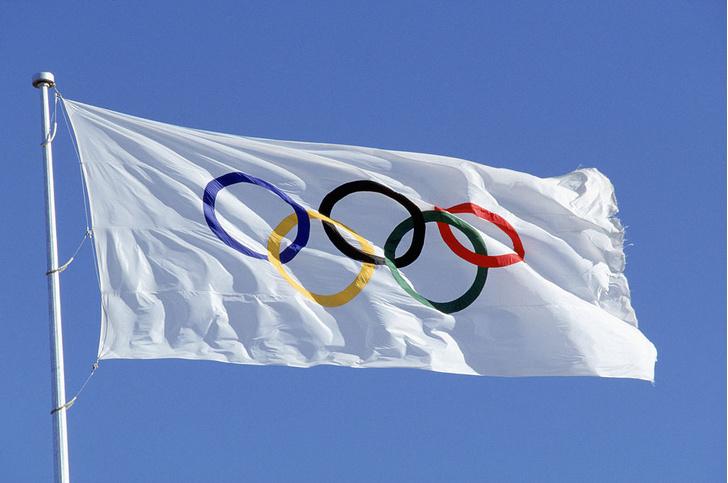 Фото №1 - Названы города-хозяева следующих летних Олимпийских игр
