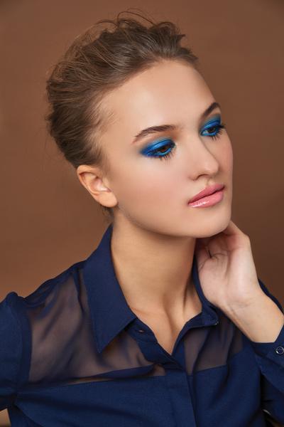 Фото №4 - Beauty-тренд: Синие тени