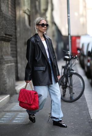 Фото №12 - Как выбрать идеальную кожаную куртку: советы стилиста