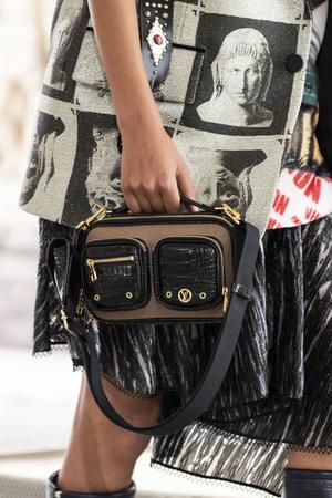 Фото №27 - Самые модные сумки осени и зимы 2021/22