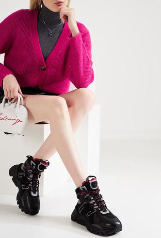 Фото №8 - Модно и тепло: где искать стильные кроссовки для зимы