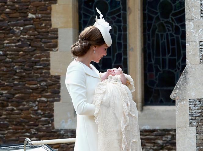 Фото №23 - Самые трогательные моменты крестин детей герцогов Кембриджских