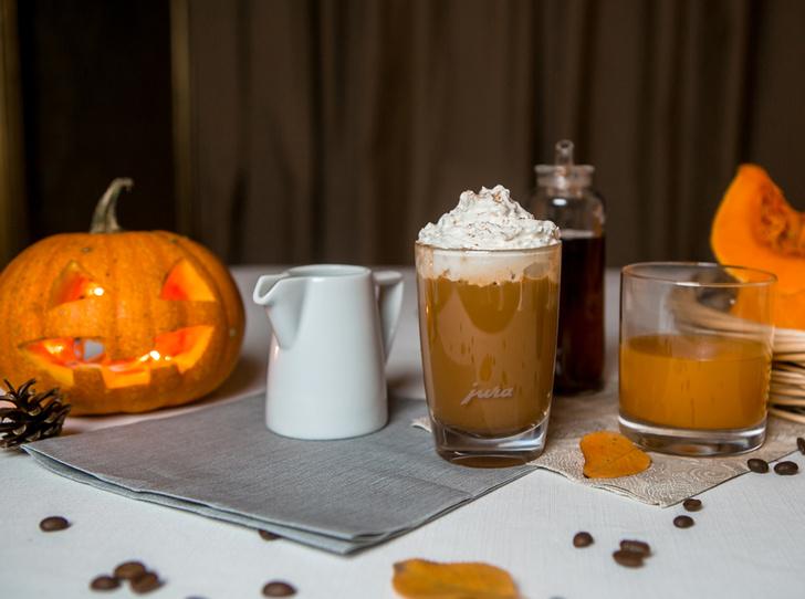 Фото №2 - Страшно вкусно: три рецепта кофе для горячего Хэллоуина