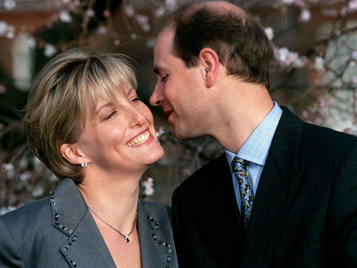 Фото №10 - 10 простых и романтичных предложений руки и сердца от королевских особ