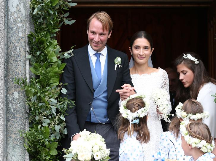 Фото №2 - Минус один принц: как прошла королевская свадьба в Швейцарии