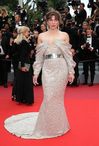 Фото №2 - Модные Канны-2019: самые яркие звездные образы 11 дня кинофестиваля