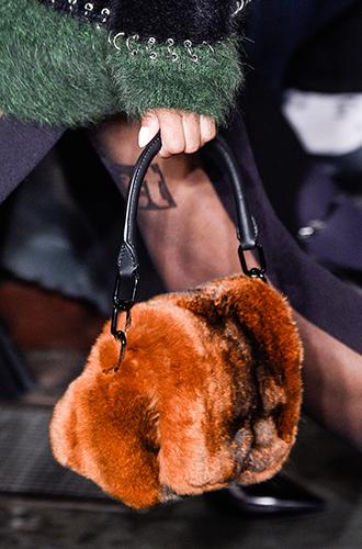 Фото №27 - Самые модные сумки осенне-зимнего сезона 2016/17